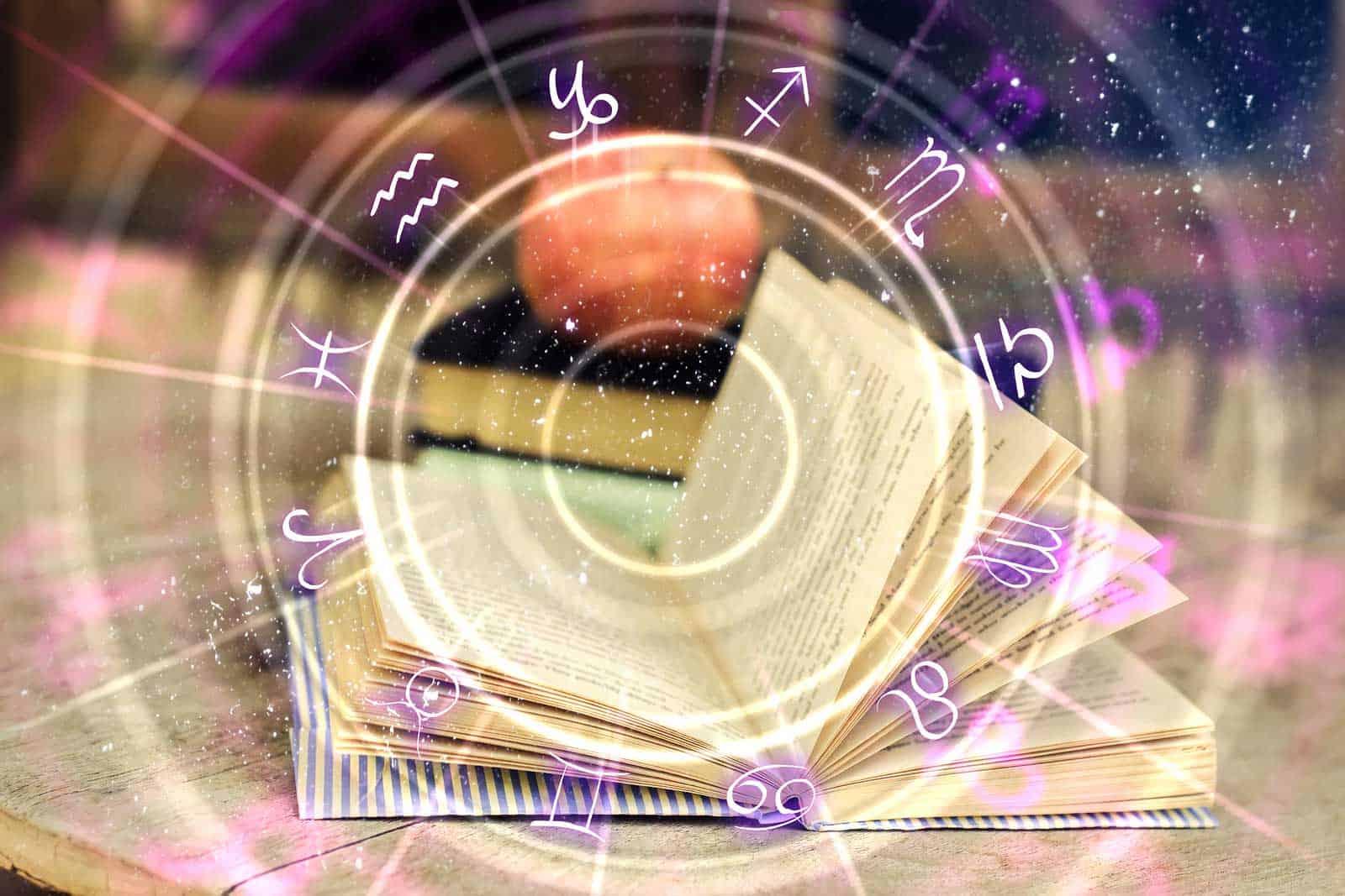 Astrologija - tarot centar